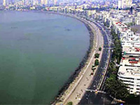 Human Chain at Juhu Beach to protest against BMC's Coastal Road Project