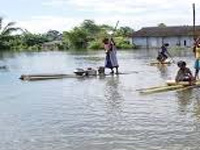 Floods render 103 families homeless at Anpum, Loklung