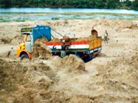 Despite ban, illegal mining continues
