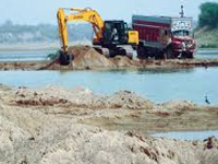 Hazare aide demands check on illegal mining; to meet Pranab
