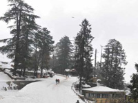 Heavy snow cuts off Valley, cripples life in Himachal