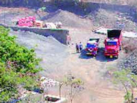 Raitha Sangha protests illegal quarrying; villagers stage a sit-in