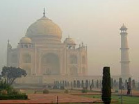 UP tourism plans a multi-level parking near Taj Mahal