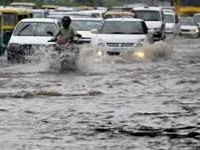 Waterlogging, accidents give drivers nightmares