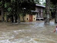 Floods grim in 7 districts, Ganga & Burhi Gandak still in spate