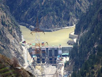 Himalayan projects face flood risk