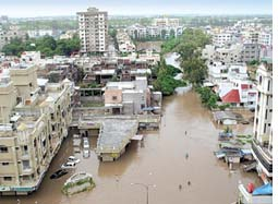 Citizens` reports indict Gujarat government for Surat floods
