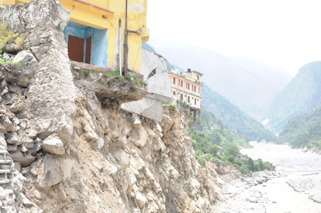 Landslides block 168 roads in U'khand, cut off 35 villages